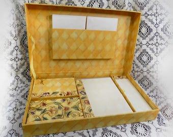 Vintage Stationary set - Boxed Set Stationary - Sheets and Envelopes - Vintage Correspondence Stationery - Vintage Note card Set # 48