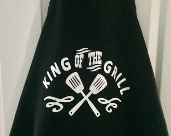 King of the grill , Apron , BBQ Apron, BBQ Gift , Gift for him , Gift for Dad, Dad