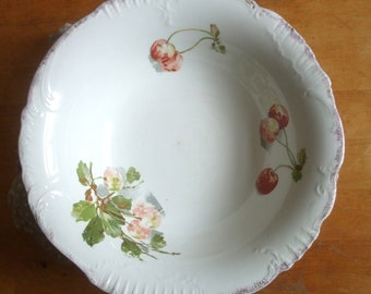 Victorian Cherry Pattern Wavy Edged Shabby Chic Serving Bowl with Gilt Edging, Made in England