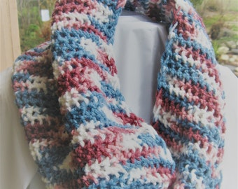 Multi color cowl scarf, Infinity scarf, looped scarf, Accessory scarf, Hand knit scarf, Beautiful colred infinity scarf, Acrylic sacarf