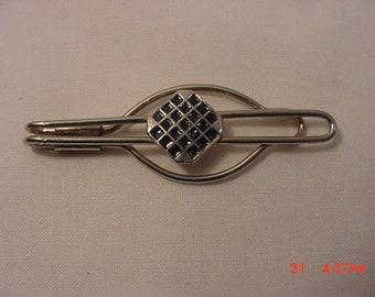 Vintage Black Enamel Accented Tie Bar Clip  18 - 795  C