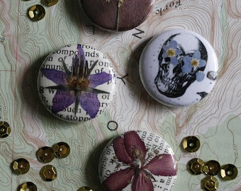 "pressed flower botanical buttons / 1"" inch buttons / wearable art / vintage"