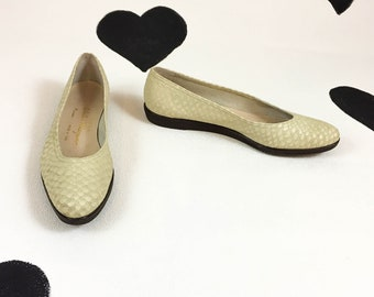 80's 90's Salvatore Ferragamo Boutique Ivory cream leather ballet flats / designer / made in Italy / suede / snake / croc / shoes size 10 A