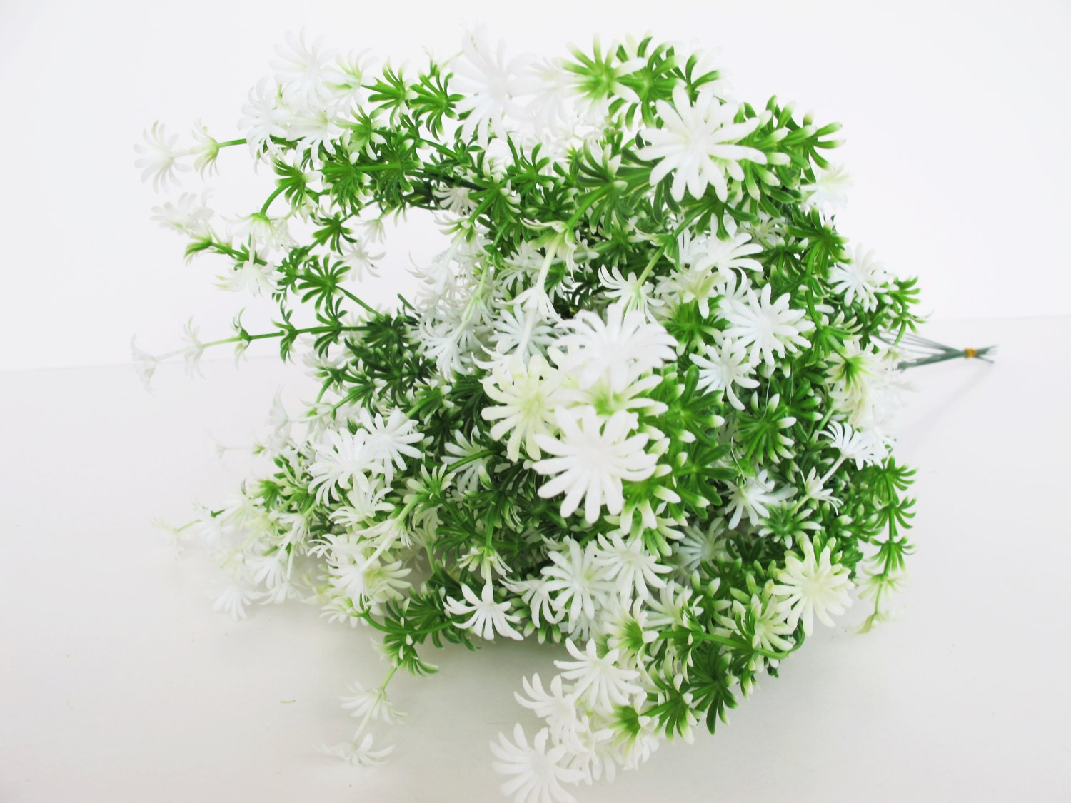 12 Plastic Mini Daisies Green White High Quality Artificial Flowers