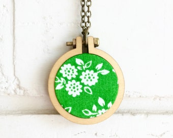Recycled Fabric Necklace or Brooch. Green. White. Floral. Flower. Bold. Pretty. Cute. Unique. Handmade pendant. Mini hoop frame. Recycled.