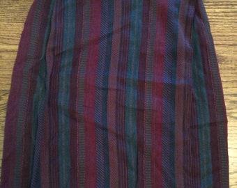 Vintage 1990's women's wrap skirt. Size small