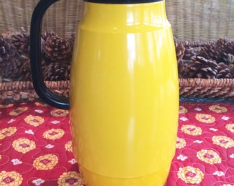 Vintage Coffee Carafe Coffee Pot Yellow Decor Yellow Kitchen Decor Corningware Coffee Pot Vintage Kitchen Decor Yellow Pitcher Corning Ware