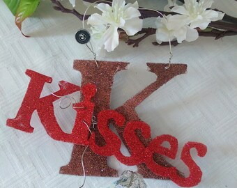 Glitterbit: Handmade Glitter Kiss straight from Hershey, Pennsylvania PA, Tell someone you love then! Encouragement, Love sign, gift tag