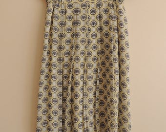 FREE SHIPPING - Vintage Light Yellow Pleated Midi skirt with lining and prints, size 40