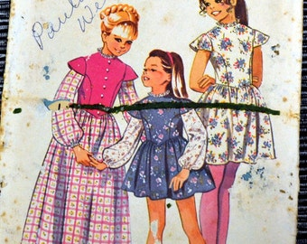 Vintage 1972 Party Dress Sewing Pattern Simplicity 9900 Girls'  Size 7  Breast 26 inches  Complete