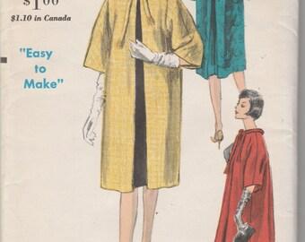 """Vogue 5796  Misses' Coat Size 14  Bust 36""""  UNCUT"""