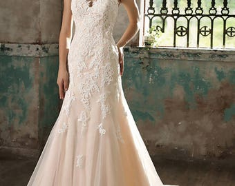 V-neck mermaid gown with appliques