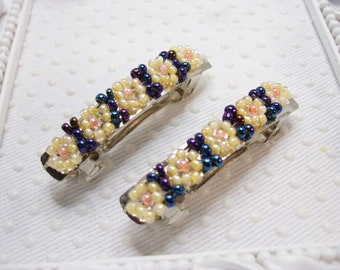 Tri color Hand beaded mini barrette pair, mini barrettes, beaded barrettes, Easter mini barrette pair, mini barrettes, french barrettes
