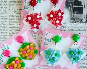 Spring Fling! 1940s vintage stock floral dangle earrings - Fabulous pinup handmade earrings by Luxulite