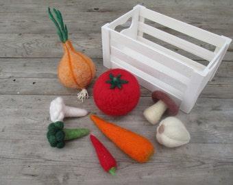 Set of 8 pcs vegetables, Play food vegetables, Woolen Play food, Felt set vegetables, Vegetables in a wooden crate, Needle Felted Vegetables