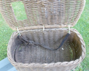 Vintage Antique Wicker Freshwater Fly Fishing Creel