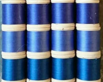 Vintage sylko bobbins. 9 shades of blue. Collection of 36 bobbins. Sewing thread.