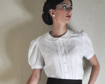 dotted 40's short sleeve blouse with Peter Pan collar