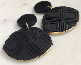 Black and gold dangle earrings, polymer clay jewelry, statement earrings, minimalist jewelry, lightweight earrings, elegant dangle earrings