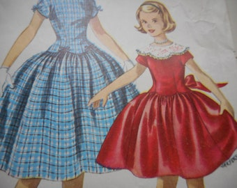 Vintage 1950's Simplicity 1362 Girl's Dress Sewing Pattern Size 12 Breast 30