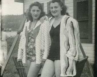 Vintage 1940s Original photo Two Young Women wearing One piece Swim Suits  ~ B95 from the USA