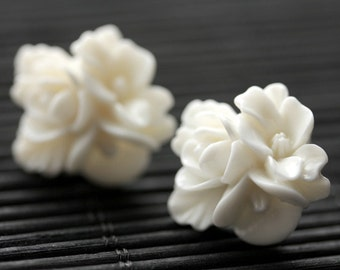 White Flower Cluster Earrings. White Flower Earrings. Silver Post Earrings. White Earrings. Stud Earrings. Flower Jewelry. Handmade Jewelry.