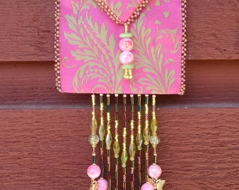 Beaded amulet bag necklaces