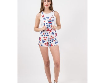 Vintage hot pants overalls / Short shorts / 1970s red white and blue patriotic romper / Stars flags and pinwheels / Shorteralls / XS