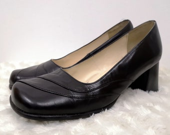 90's RAVEL Court Shoes. Block Heel. Career Shoes. Black Leather. Slip on Shoes.