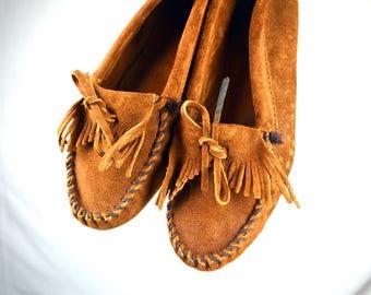 Vintage Minnetonka Fringe Leather Suede Moccasin Mocs Shoes - Size 8 1/2