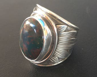 sterling silver bloodstone band ring with leaf design