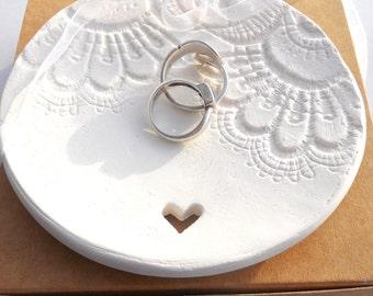 READY TO SHIP Ceramic Wedding Ring Bearer Dish, Wedding Ring Cushion Dish, Clay Trinket Dish, Ceramic Ring Cushion, Trinket Bowl, Ring dish