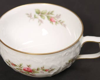 German Rosenthal  Saucer from the Classic Rose Collection Series with Rose Motif and Gold Trim. (CGP-2726)