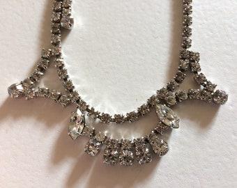 Vintage Delicate & Elegant Rhinestone Necklace