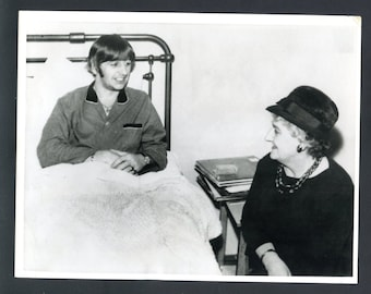 Vintage United Press Wire Photo of The Beatles Ringo Starr in Hospital See Scan Rare Find Beatles Memorabilia