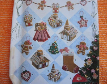 2000s sewing pattern Simplicity 4810 Christmas holiday decorations ornaments Elaine Heigl designs UNCUT