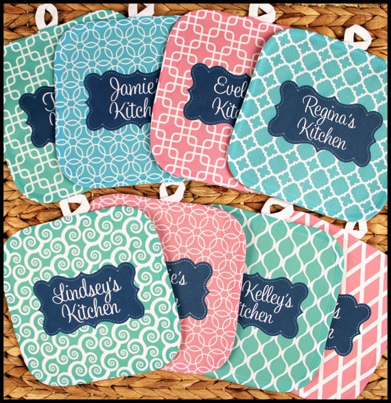Unique Gifts for Cooks Custom Personalized Pot Holders Unique Gifts Monogrammed Gift Set Personalized Oven Mitts Gifts for Mom Cooking Gifts