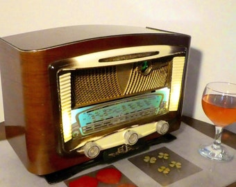 Bluetooth speaker system Art Deco 1954 E.C.R Radio model Simoun with FM radio and Aux inputs. Art Deco Modernist style. 80watts.