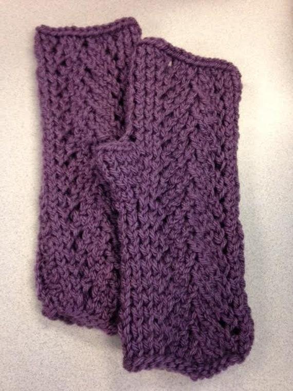 Vine Lace Fingerless Gloves Knitting Pattern