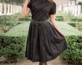 Vintage Black Pin Tucked Pleated Dress (Size Medium/Large)