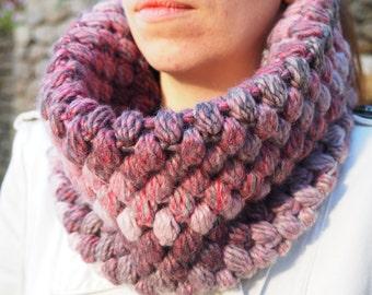 Bright, stylish crochet cowl - Chunky cowl - Infinity Scarf - Crochet warmer - Puff stitch Crochet snood - Infinity Cowl Multicolored