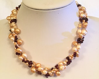 Cinnamon Surprise Freshwater pearls necklace and earring giftset