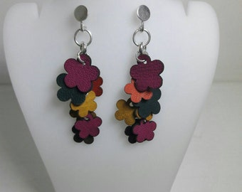 Silver earring with leather or natural stones