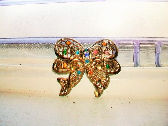 Vintage Gold Tone Brooch Pin Multi Colored Rhinestones Bow Ribbon