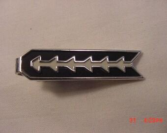 Vintage Speidel Black And White Enameled Tie Bar Clip   18 - 799  C