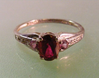 Vintage Synthetic Red Spinel  Ring in Sterling Silver .....  Lot 5163