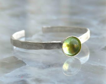 Toe Ring / Sterling Silver Toe Ring / Peridot Toe Ring / Foot Accessories / Foot Ring / Stone Knuckle Ring / Foot Jewelry - Stone Midi Ring