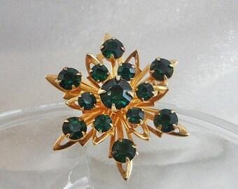 BIG SALE Vintage Green Rhinestone Snowflake Brooch. Coro. Gold & Emerald Green Rhinestone Pin.