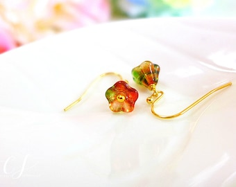 Garden Wedding Earrings, Bridesmaid Gift, for her, Bridesmaid Jewelry, Flower Minimalist Earrings, Gold Flower Earrings, Minimalist Jewelry