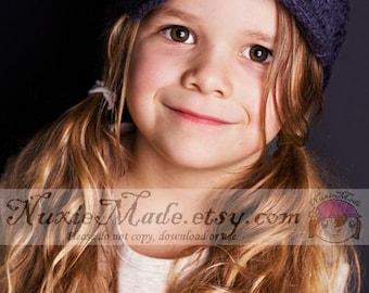 Crochet de filles gris chapeau Gavroche avec fleurs, bonnet 12-24 mois, chapeau les filles, chapeau pour enfants, chapeau, chapeau pour les filles, chapeau d'hiver, chapeau enfant en bas âge